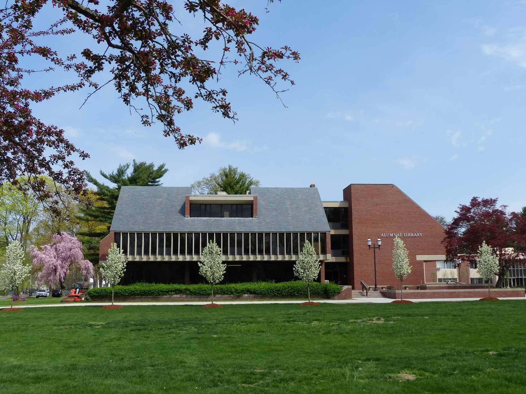 Alumnae Library 2016 Image