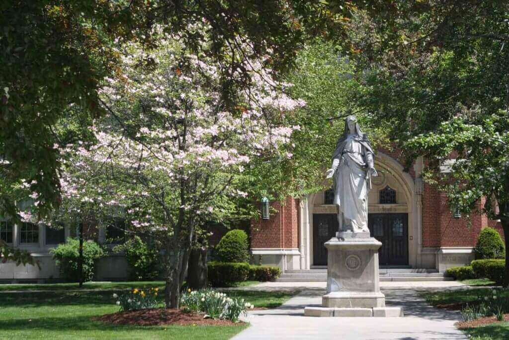 Campus Mary Statue Banner