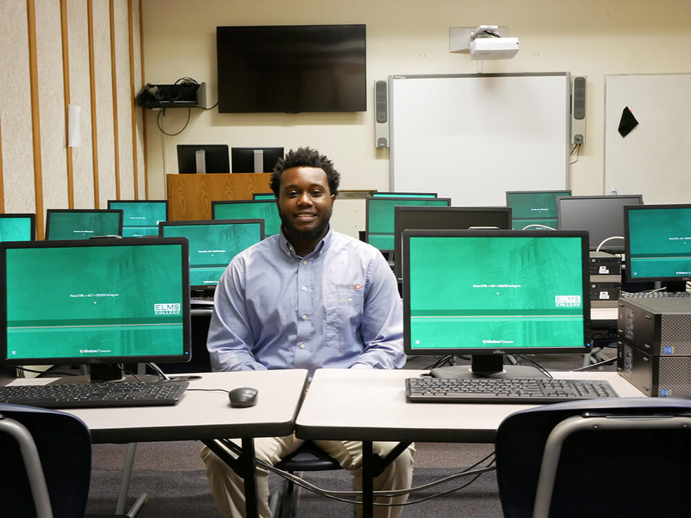 Photo of Sirvaughn Hobdy, a computer information technology (CIT) graduate