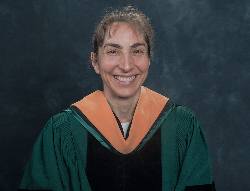 Photo of Julianne Touchette '18, a DNP-FNP graduate