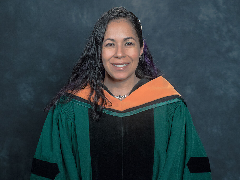 Photo of Melissa Pluguez-Moldavskiy '18, DNP-FNP graduate