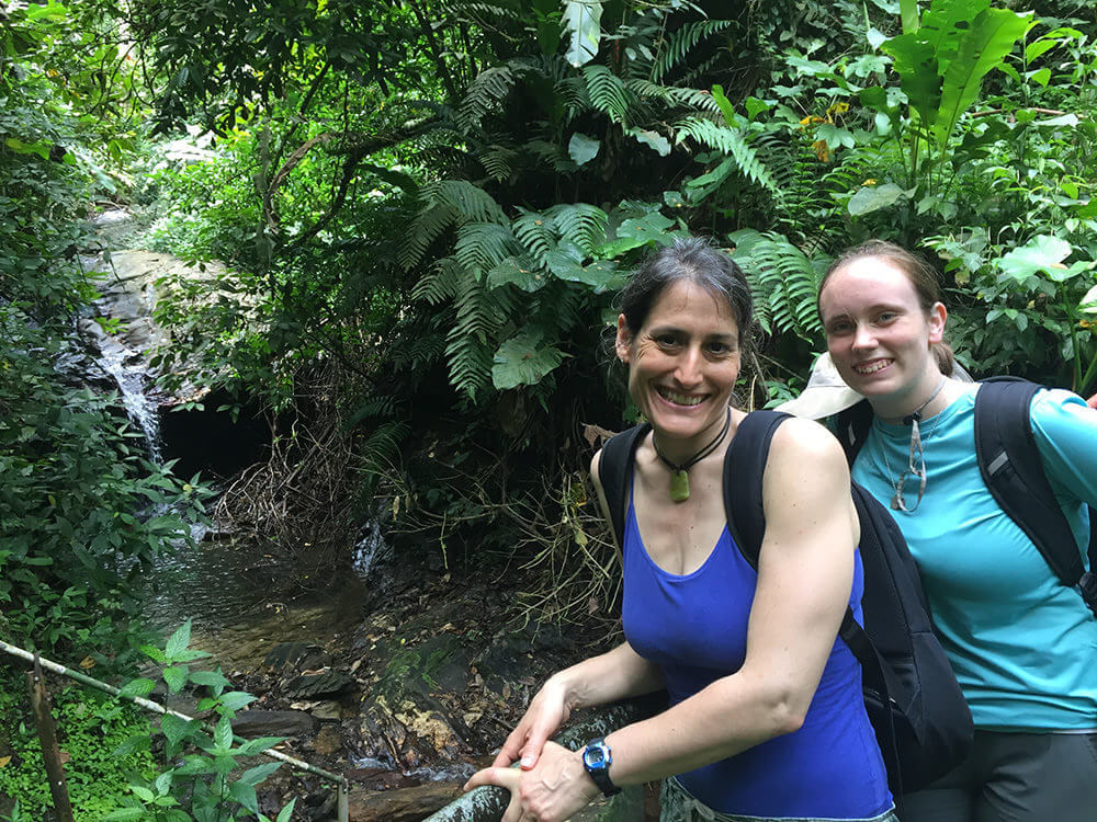 Photo of Erica Van Ness '18 and biology professor Nina Theis in Trinidad
