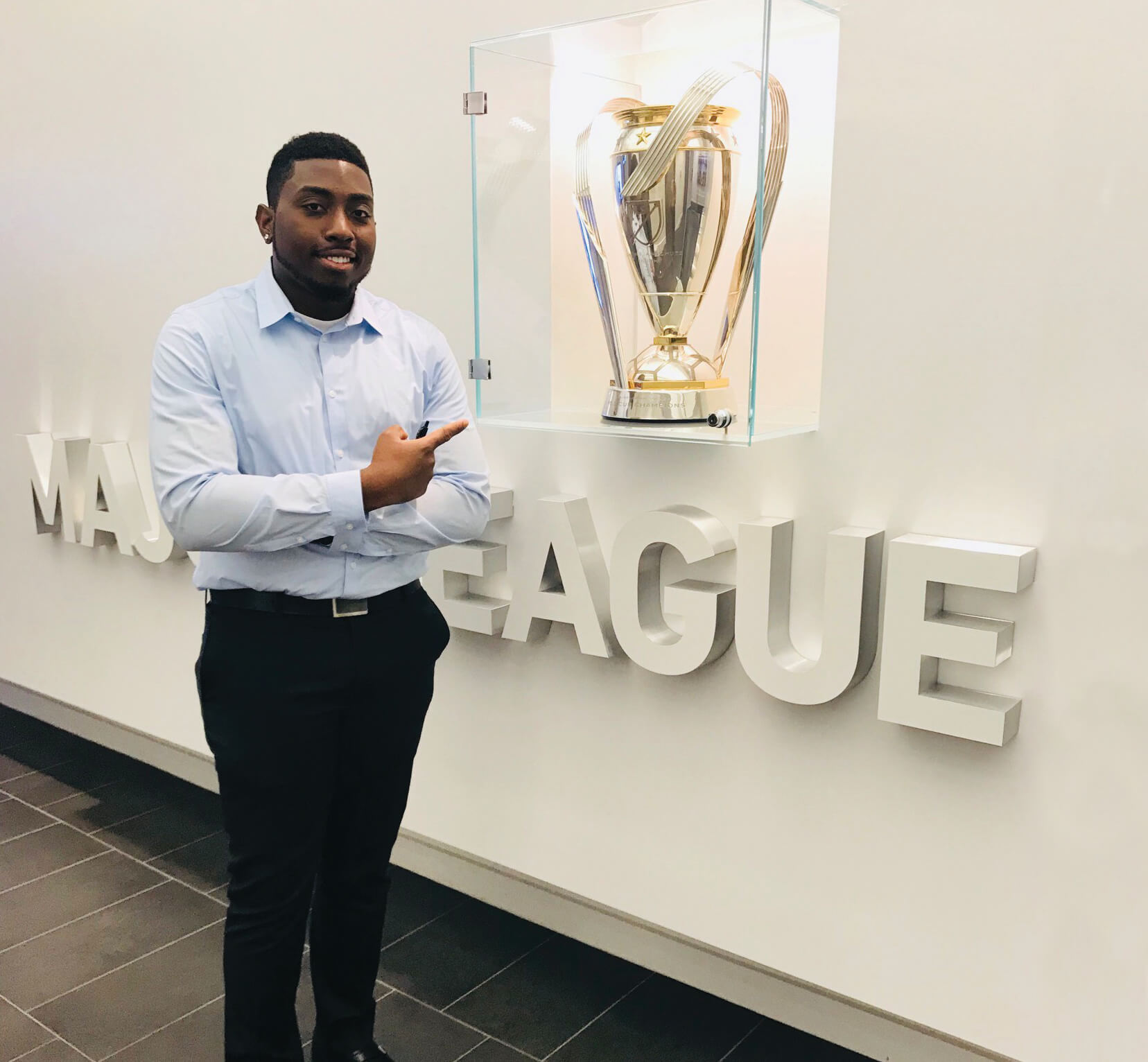 Photo of sport management major Shaquille Robinson '19