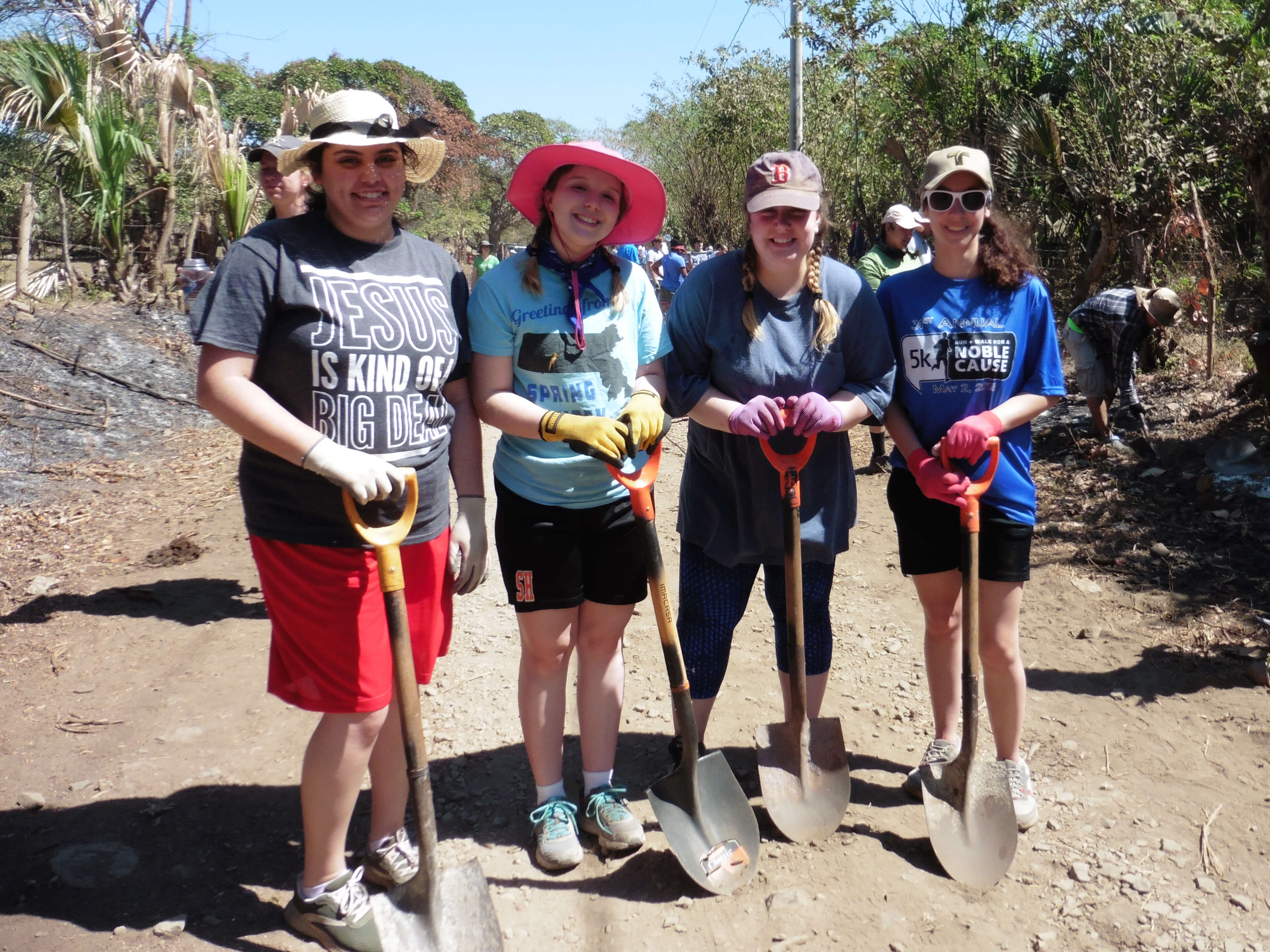 Photo of Janis Luna '19 on a mission trip to Nicaragua