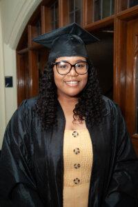 Photo of Nakia Mabin '19, a math and biology double major